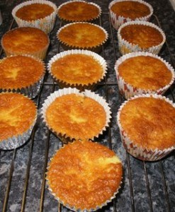 pineapple_cupcakes